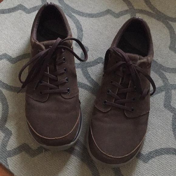 c3044af48 Teva Men s Leather Wander Lace Sneaker